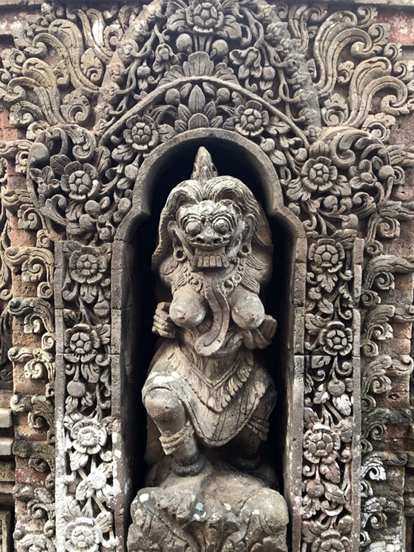 ウブド王宮の彫像